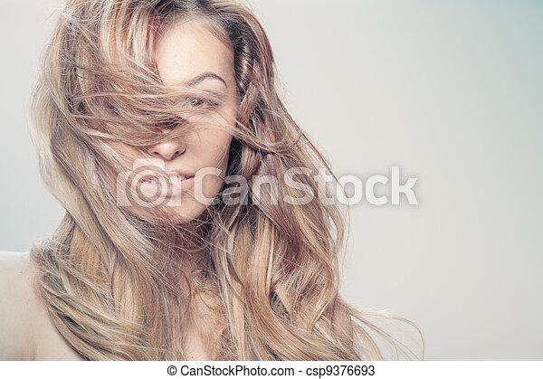 włosy, kędzierzawy - csp9376693