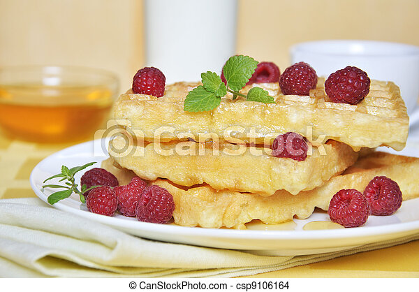 Waffles with raspberry - csp9106164