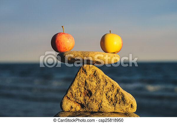waga, jabłko - csp25818950