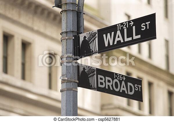 wall street zeichen - csp5627881