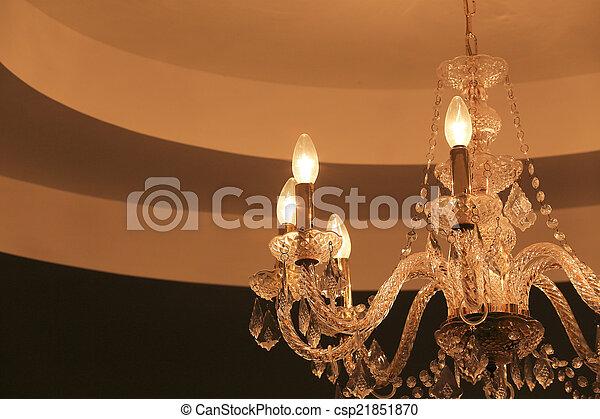 Kronleuchter Wand ~ Wand dunkel kristall kronleuchter luxus hintergrund
