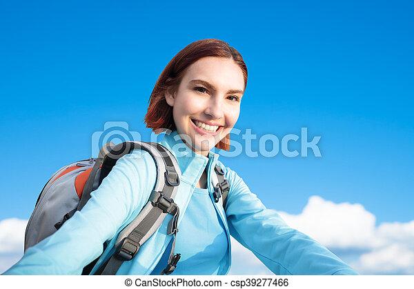wandelaar, berg, vrouw, vrolijke  - csp39277466
