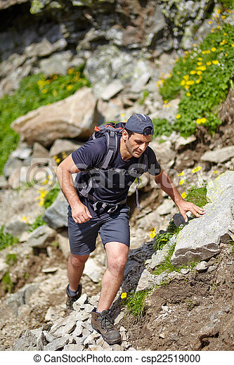 wanderer, hochklettern, berg - csp22519000