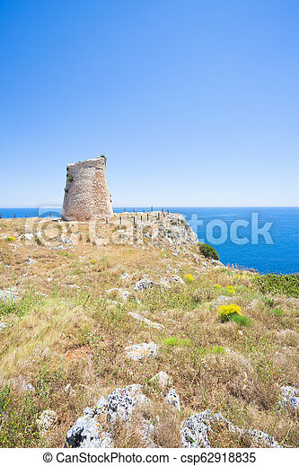 wandern, minervino, -, minervino, apulia, torre, klippen - csp62918835