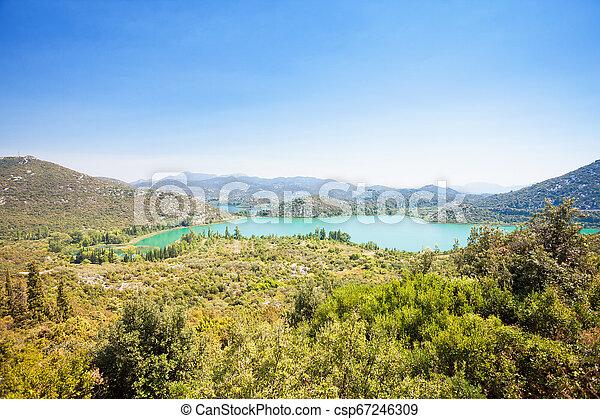 Bacina Seen, dalmatien, croatia - Aussichtspunkt auf die schönen bacina Seen - csp67246309
