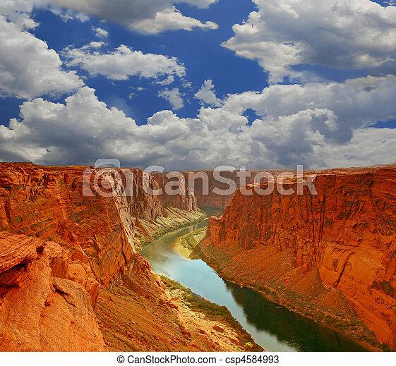 water, cañon, begin, voornaam - csp4584993