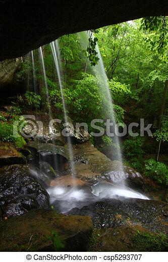 Waterfall in northern Alabama - csp5293707
