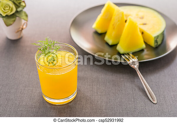 Watermelon juice with yellow pulp - csp52931992