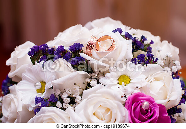 Wedding bouquet of beautiful roses  - csp19189674