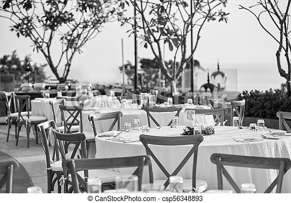 Peachy Wedding Reception Dinner Table Setting With Folding Lawn Chairs In Black And White Inzonedesignstudio Interior Chair Design Inzonedesignstudiocom