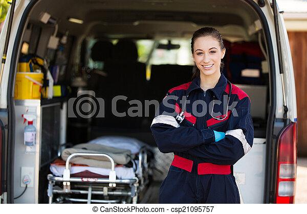 weibliche , glücklich, sanitäter - csp21095757