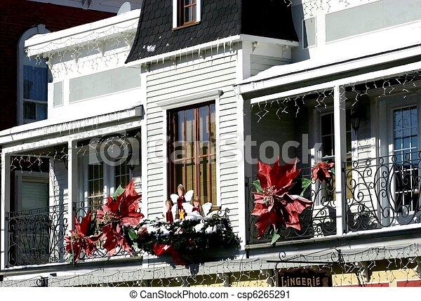 weihnachten balkon dekoriert ansicht balkon weihnachtszeit. Black Bedroom Furniture Sets. Home Design Ideas
