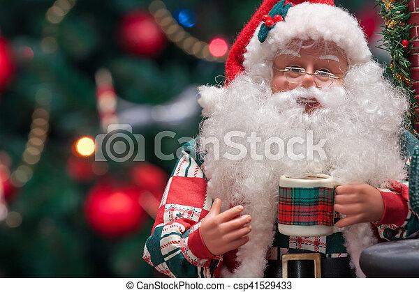 weihnachtsmann, weihnachtsbäume - csp41529433