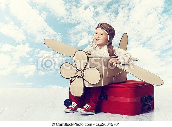 weinig; niet zo(veel), piloot, avia, vliegen, kind, reiziger, vliegtuig, spelend, geitje - csp26045761