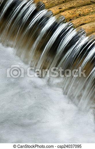 Weir detail - csp24037095