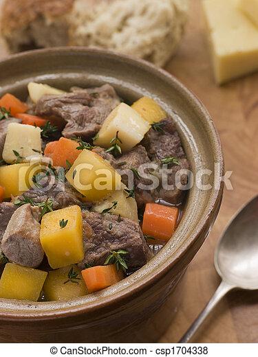welsh, pot, cawl, ovenschotel - csp1704338