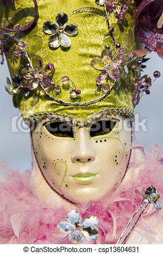 wenecka maska, karnawał - csp13604631