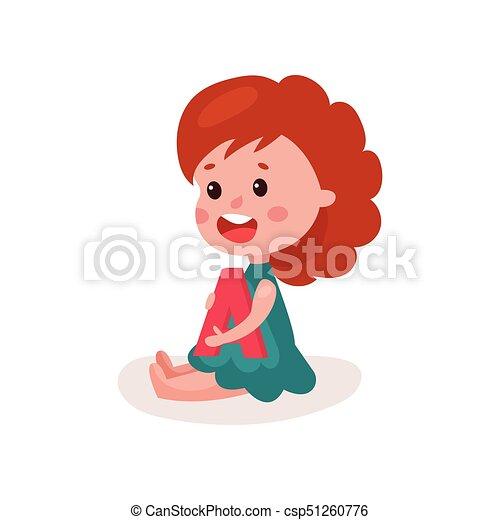 wenig, brief, bunte, boden, sitzen, spielen, abbildung, a, spaß, vektor, durch, lernen, rothaarige, m�dchen, spielende , bezaubernd, karikatur, kind - csp51260776