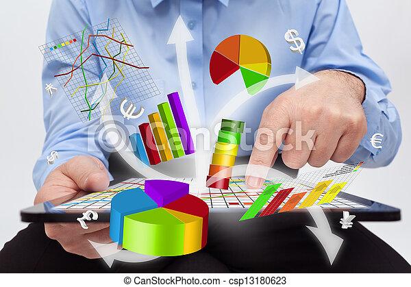 werkende , tablet, -, diagrammen, computer, zakenman, het produceren - csp13180623