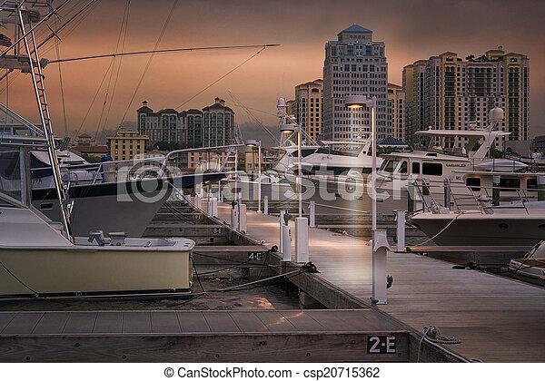 West Palm Beach Skyline - csp20715362