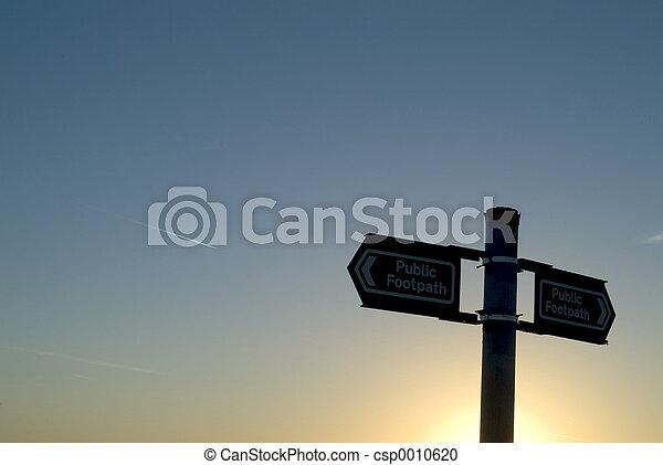 Which way? - csp0010620