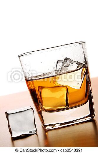 whisky, hielo - csp0540391
