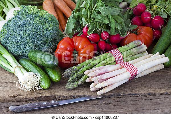 White and green asparagus - csp14006207