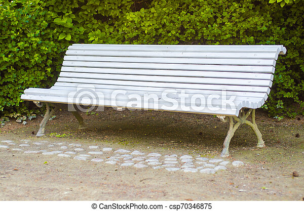 Tremendous White Bench And The Living Green Background Ncnpc Chair Design For Home Ncnpcorg