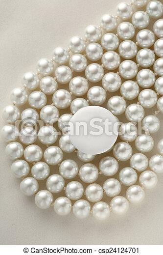 White blank round badge - csp24124701