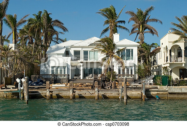 florida houses on the water. white house by the sea csp0703098 florida houses on water i
