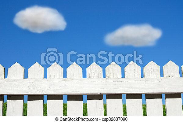 white picket fence - csp32837090
