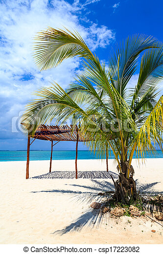 White sand beach in the tropics - csp17223082