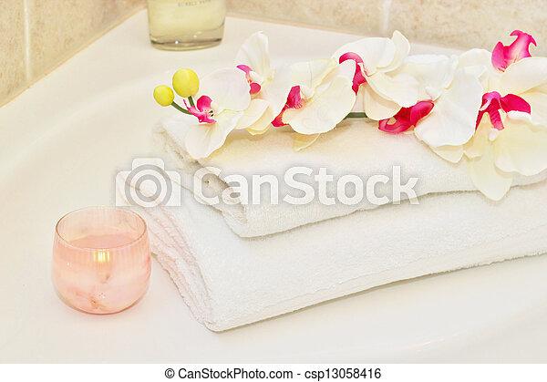 White towels - csp13058416
