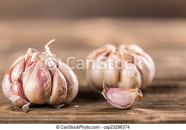 Whole garlic - csp23296374