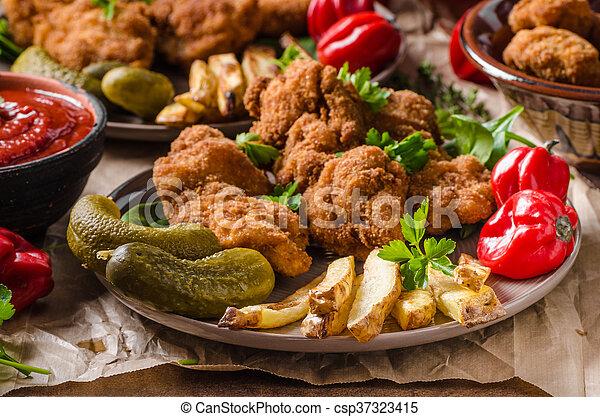 Wiener schnitzel original - csp37323415