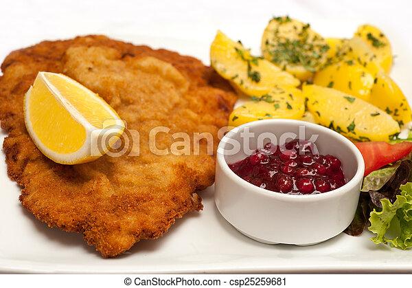 Wiener Schnitzel - csp25259681