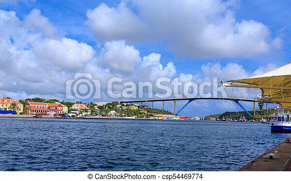 Puerto Willemstad con puente en el fondo - csp54469774