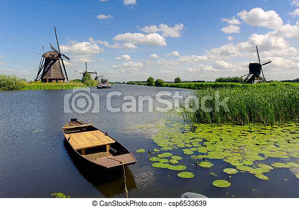 Windmill landscape at Kinderdijk The Netherlands - csp6533639