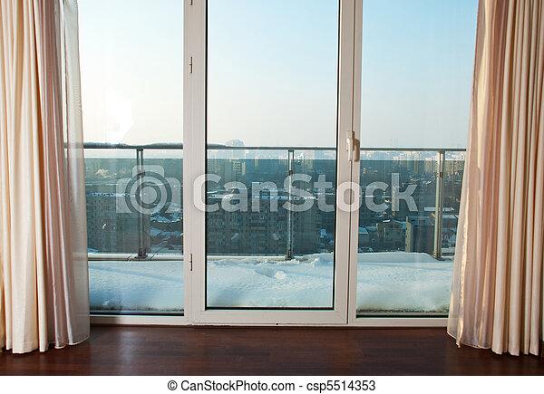 Ventanas al balcón - csp5514353
