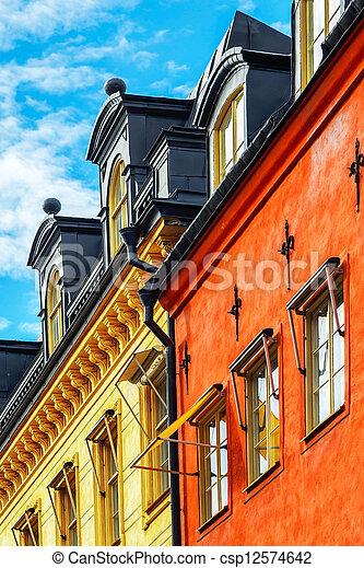Fassade Gelb windows fassade gebäude rotes gelb blaues gebäude stockfoto