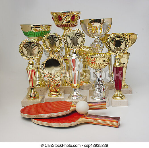 winning tennis tournaments - csp42935229