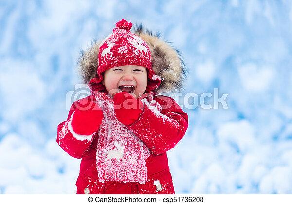 Winter., bébé, neige, jouer. Winter., tricoté, prise, attraper ... c916ab313d1