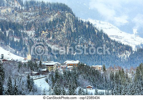 Winter mountain village (Austria, Tirol). - csp12385434