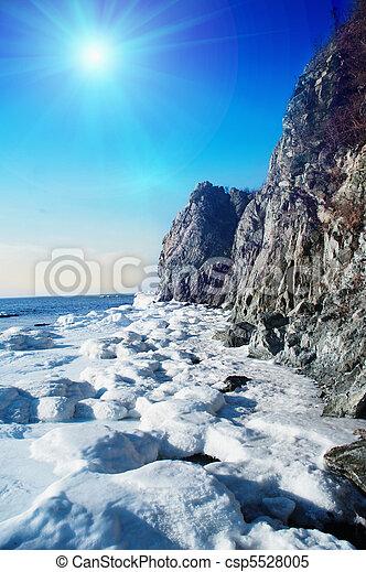 Winter Scene At The Sea - csp5528005