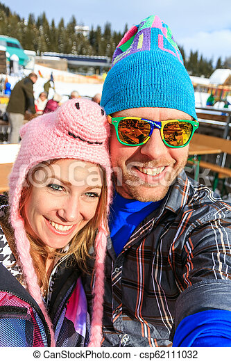 wintersport, portrait, selfie - csp62111032