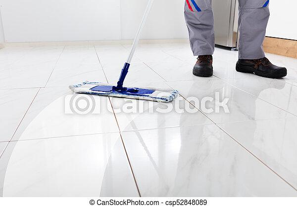 Fußboden Wischen ~ Wischen arbeiter boden wischen wischmop arbeiter kueche boden