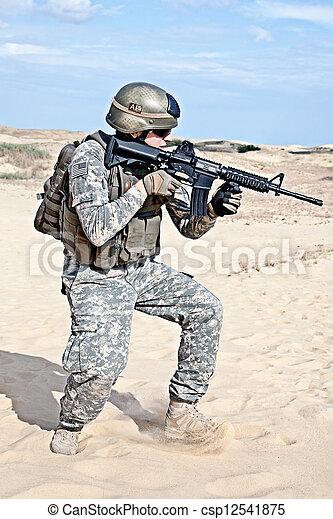wojskowy, działanie - csp12541875