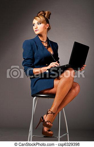 woman at office - csp6329398