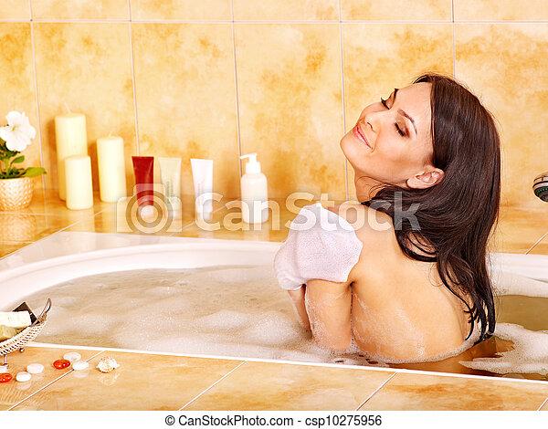 Я видела как во сне мой мужчина вступил в связь со своей бывшей женой, они были абсолютно голые, а у нее на тот момент были месячные сам акт я не видела, они ушли за угол и я всё слышала.