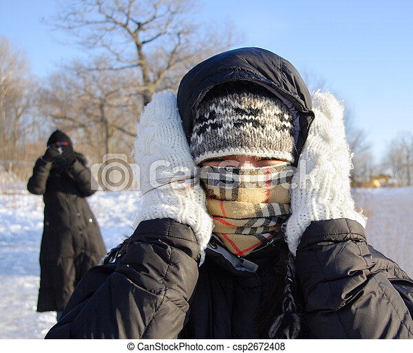 Woman freezing cold - csp2672408